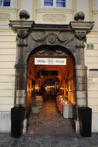 Wine Bar Movia em Liubliana