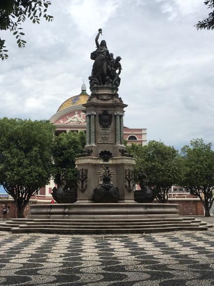 Estátua Marco 0