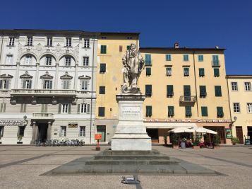Piazza em Lucca, Toscana