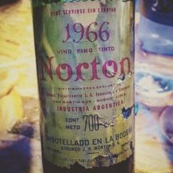 Norton Vino Tinto 1966