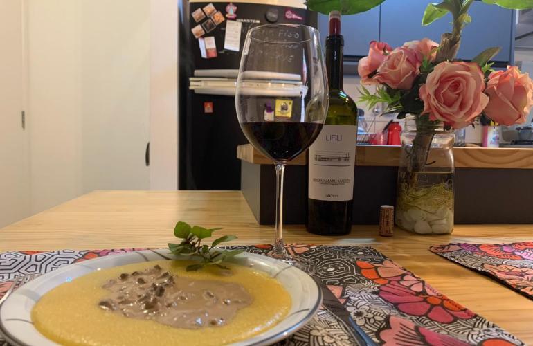 Molho Funghi com vinho tinto