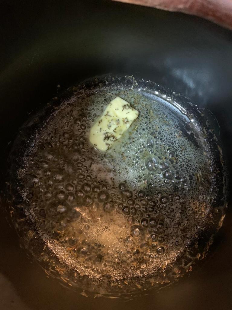 Manteiga e tomilho